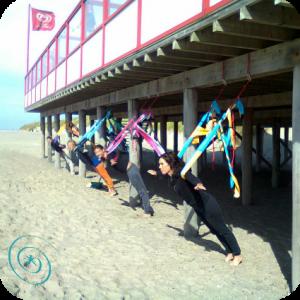 met spiraal op strand